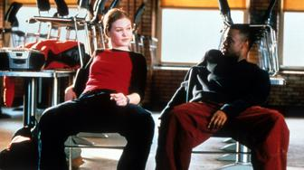 Julia Stiles sits with Sean Patrick Thomas in a scene from the film 'Save The Last Dance', 2001. (Photo by Paramount/Getty Images)