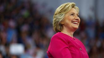 Democratic presidential candidate Hillary Clinton campaigns on the campus of Temple University in Philadelphia, Pennsylvania, July 29, 2016.  REUTERS/Aaron P. Bernstein