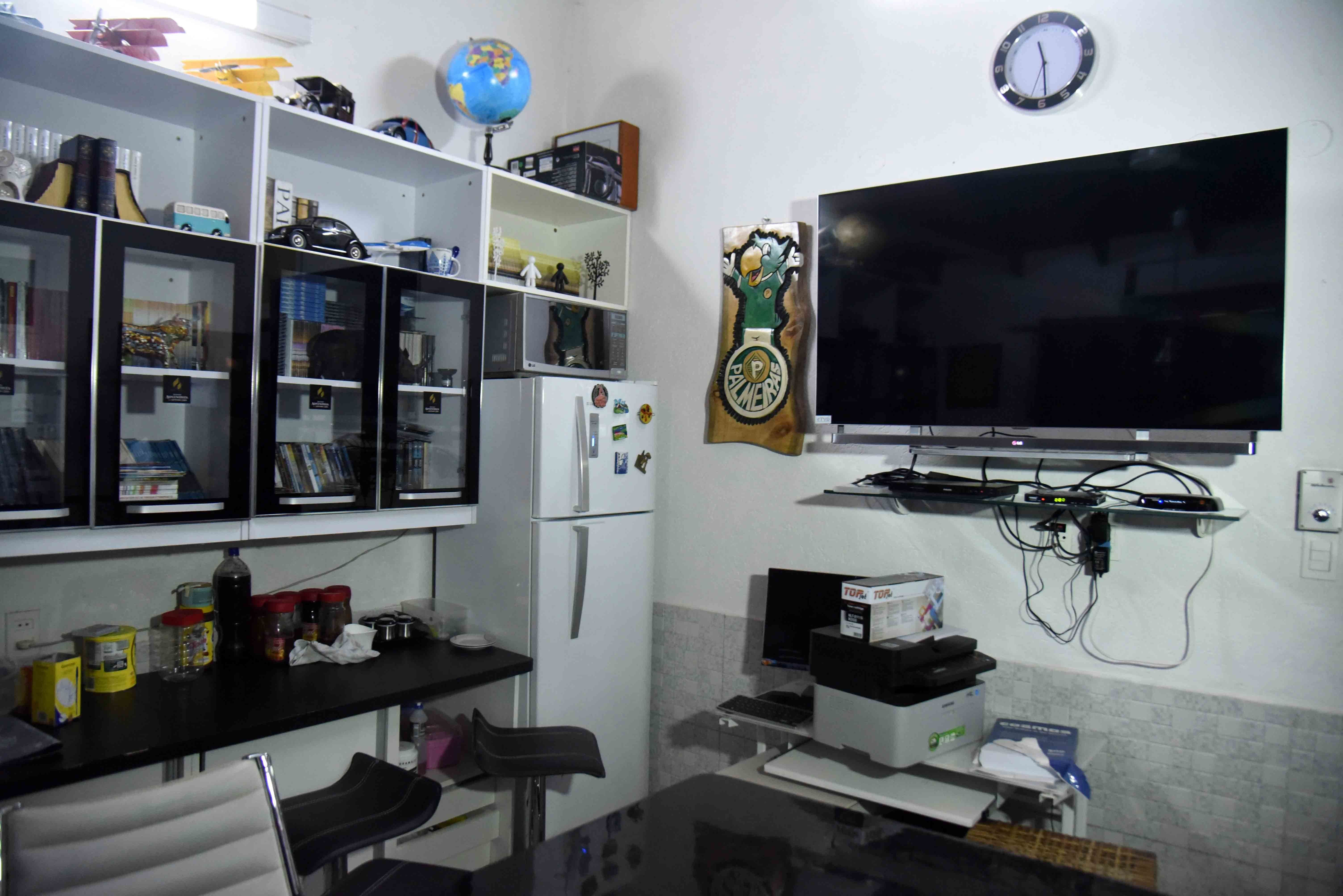 View of Brazilian drug trafficker Jarvis Chimenes Pavao's cell at Tacumbu prison in Asuncion on July 28, 2016.  Three rooms, a plasma TV, a library, and even a collection of DVDs of Colombian Pablo Escobar TV series, Jarvis Pavao Chimenes lived in a luxury cell in Tacumbu prison, one of the most crowded of Paraguay. / AFP / NORBERTO DUARTE / TO GO WITH AFP STORY        (Photo credit should read NORBERTO DUARTE/AFP/Getty Images)