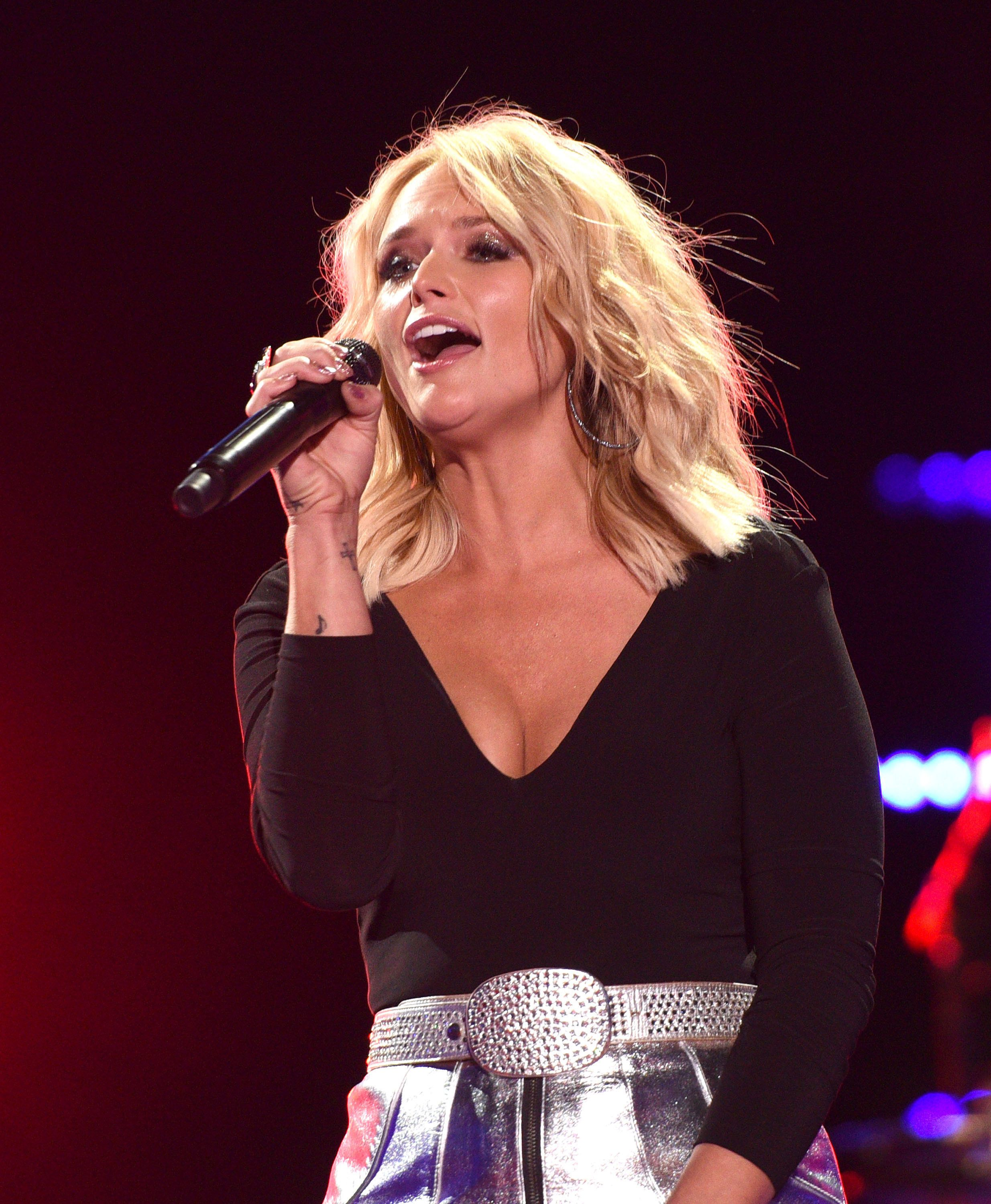 NASHVILLE, TN - JUNE 09:  Miranda Lambert performs during the 2016 CMA Music Festival at Nissan Stadium on June 9, 2016 in Nashville, Tennessee.  (Photo by C Flanigan/FilmMagic)