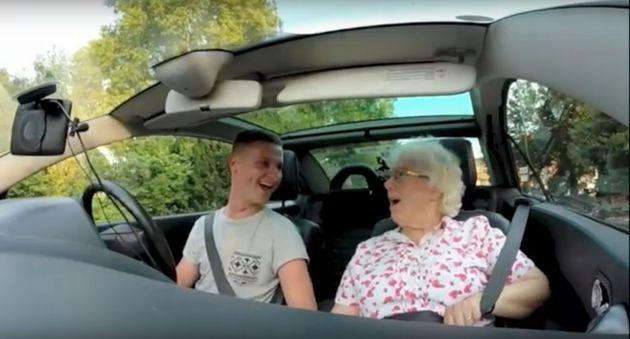 Grandma Iris Howard is seen reacting to a