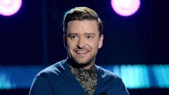 INGLEWOOD, CA - JULY 31:  Honoree Justin Timberlake accepts the Decade Award onstage during Teen Choice Awards 2016 at The Forum on July 31, 2016 in Inglewood, California.  (Photo by Kevin Mazur/Fox/Getty Images for Fox)