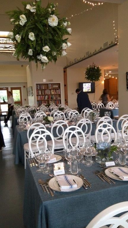 Volunteer parents created the blue and white dining room decorations