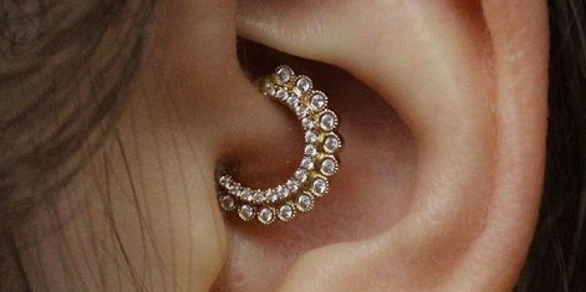 The 10 prettiest daith piercings that will make you want for Helix piercing jewelry canada