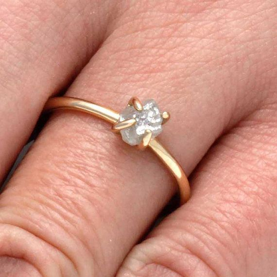 Buying An Engagement Ring Online Like Mila Kunis: Everything You Need To