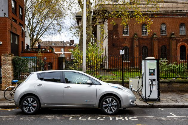 Electric Charging Points Will Outnumber Petrol Stations By 2020, Nissan