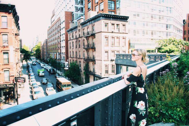 "At High Line Park (and wearing Topshop).&nbsp;<a href=""https://presentperfectsite.com/"" target=""_blank"">PresentPerfectSite.co"