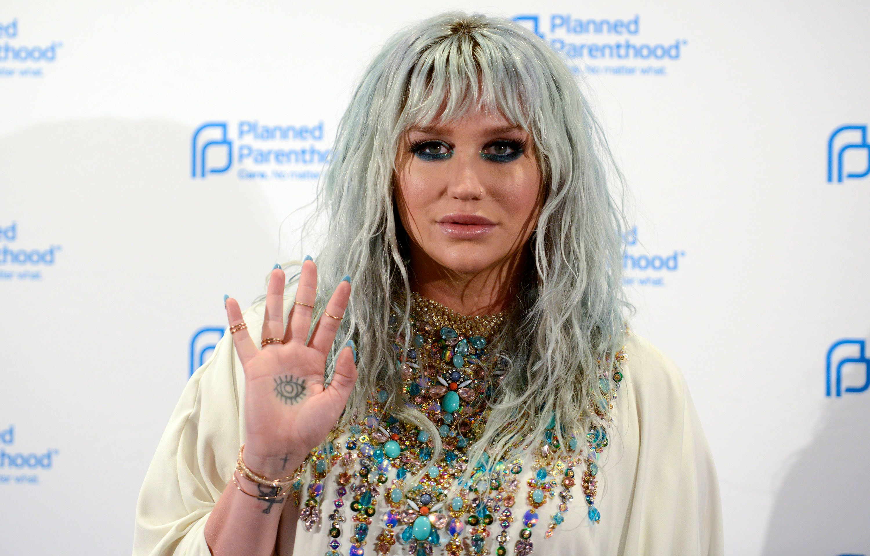 Kesha Drops Sex Abuse Suit Against Dr Luke In
