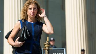 U.S. Representative Debbie Wasserman Schultz (D-FL) and Chair of the Democratic National Committee leaves the U.S. Capitol after a vote in Washington October 23, 2015.  REUTERS/Joshua Roberts