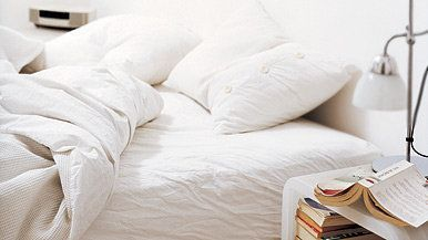 Title:  Empty Bed in the Morning Creative image #: dv1324062 Restrictions: 75mb file has been interpolated from a 20mb tiff. License type: Royalty-free Photographer:  Damian Russell Collection:  Digital Vision Credit: Damian Russell Release information: This image has a signed property release. This image is available for commercial use. Keywords: Home Interior, Bed, Vertical, Indoors, Lamp, Book, Bedroom, Duvet, Pillow, White, Modern, Alarm Clock, Color Image, Crumpled, Waking up, Showcase Interior, Absence, Copy Space, Series, No People, Photography, Morning, Night Table.