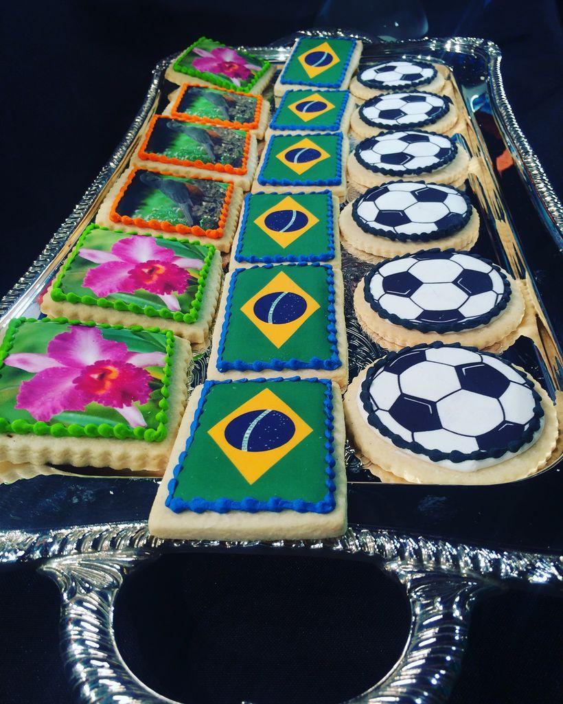 Brazilian Themed Cookies (Polkadots Cupcakes)