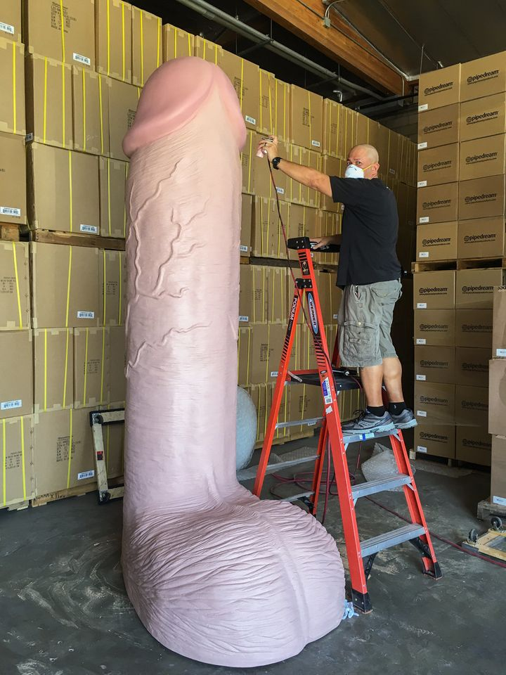 worlds biggest dildo