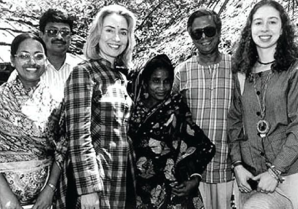 Hillary & Chelsea Clinton are in Rishipara, Bangladesh, with Yunus & a Grameen borrower in 1995.