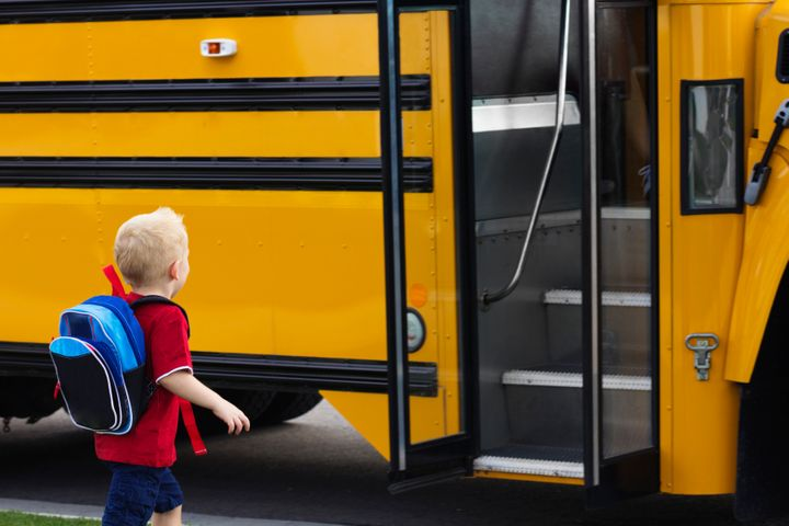 Starting school or the start of a new school year can be a major source of anxiety for kids. Here's how parents can help.