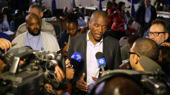 Democratic Alliance leader Mmusi Maimane gestures as he speaks to members of the media at the result center in Pretoria, South Africa August 4, 2016. Picture taken August 4, 2016. REUTERS/Siphiwe Sibeko