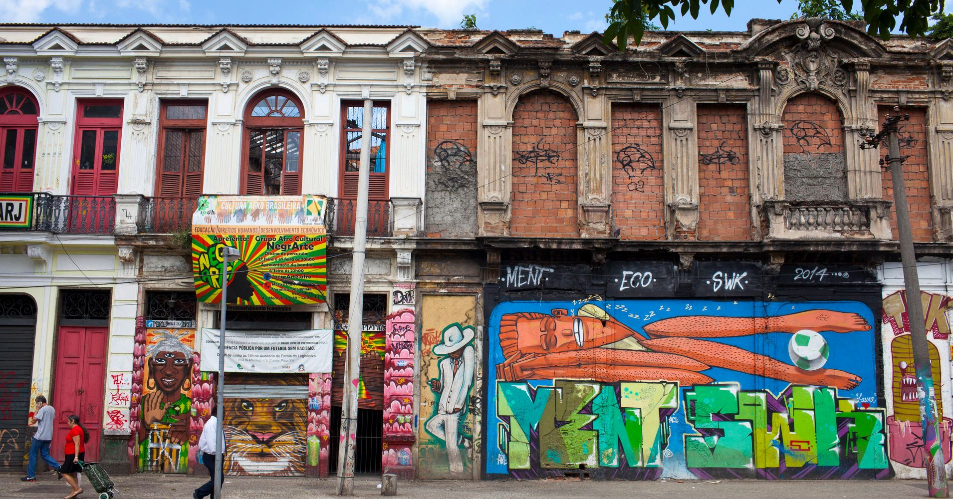 These  Images Capture The Rare Beauty Of Rios Street Art Scene Huffpost