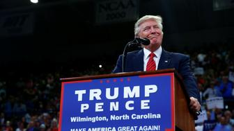 Republican U.S. presidential nominee Donald Trump speaks to the Trask Coliseum at University of North Carolina in Wilmington, North Carolina, U.S., August 9, 2016. REUTERS/Eric Thayer     TPX IMAGES OF THE DAY