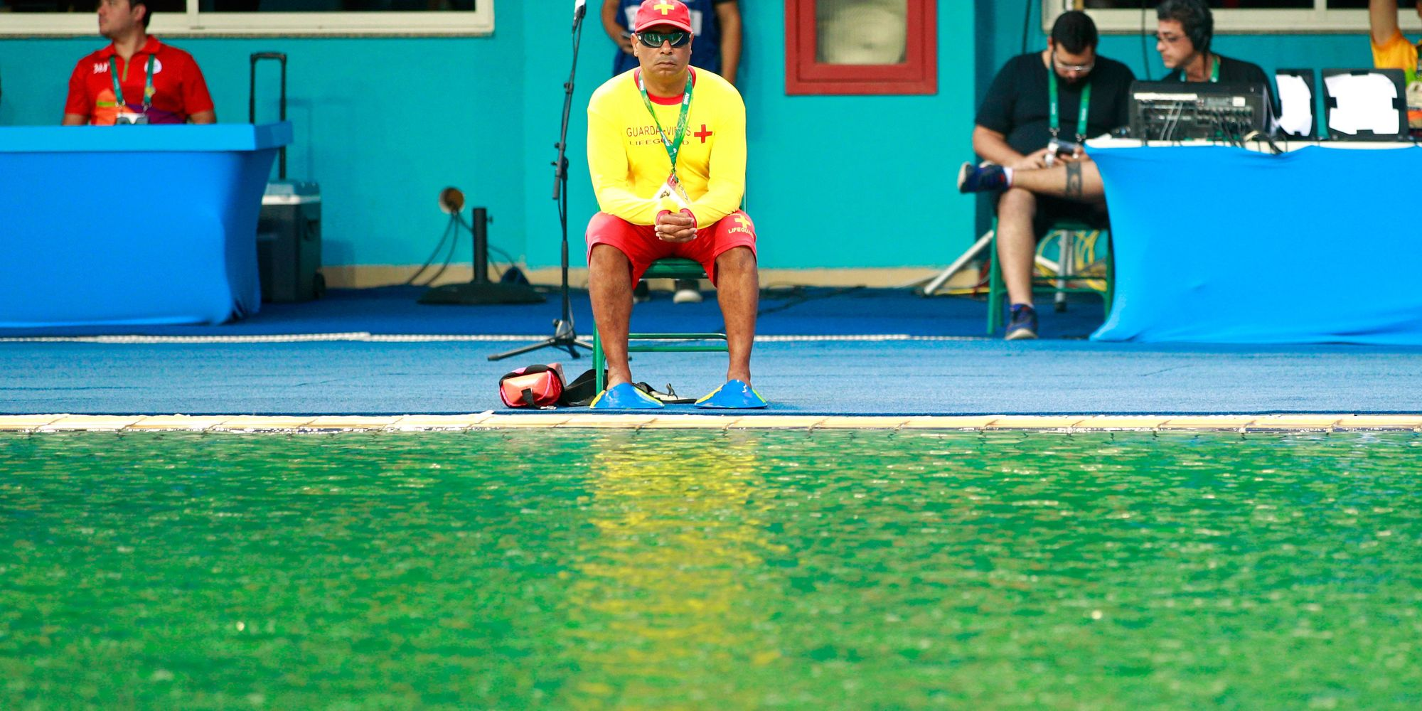 So Someone Dumped 160 Liters Of Hydrogen Peroxide In 2 Olympic Pools The Huffington Post