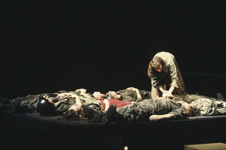 """""""Tombeau pour cinq cent mille soldats""""."""