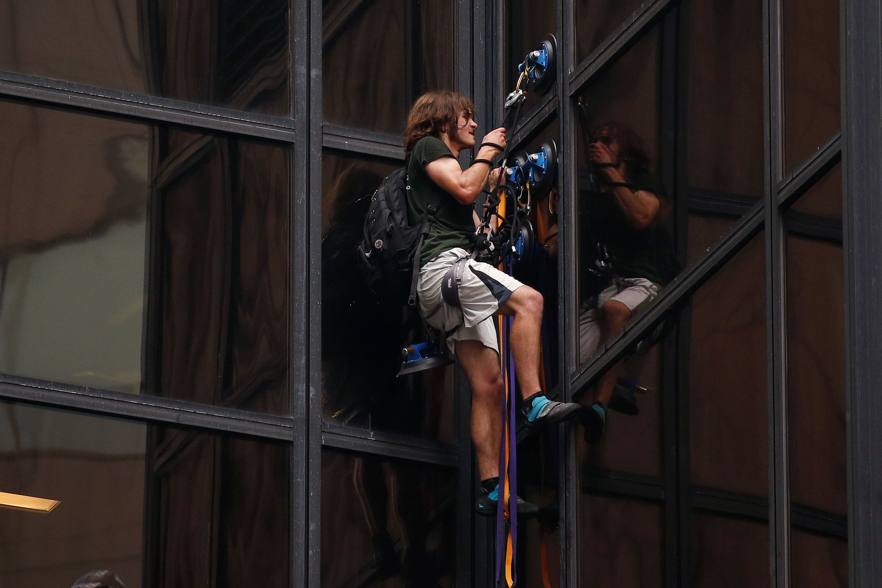 A Lot Of People Are Making Fun Of The Trump Tower Climber On