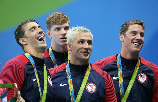 People Think The Green Olympics Pool Turned Swimmer Ryan Lochte's Hair