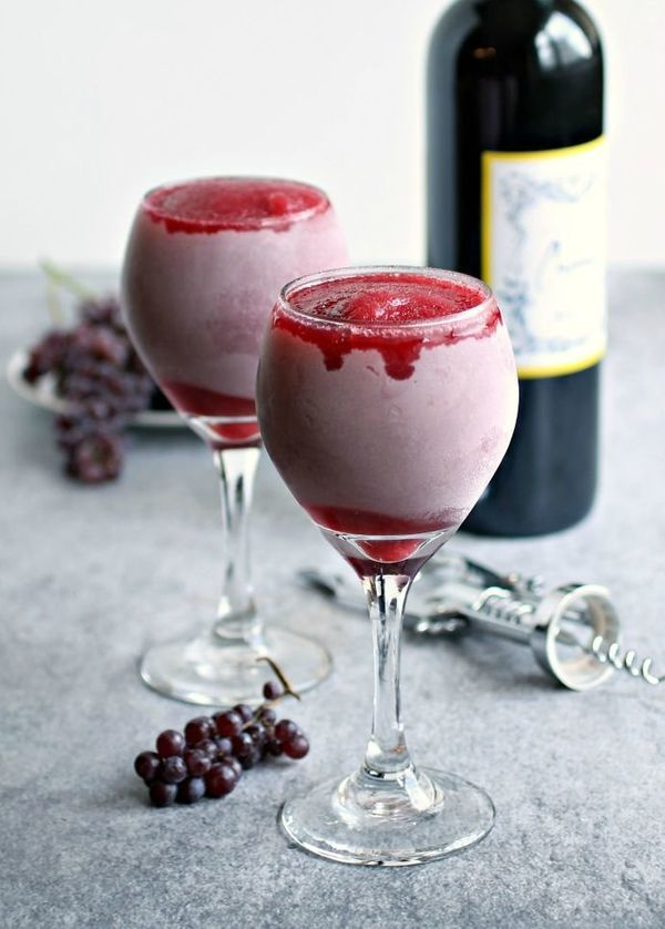 "<strong>Get the <a href=""http://www.hungrycouplenyc.com/2015/08/strawberry-red-wine-slushies.html"" target=""_blank"">Strawberry"