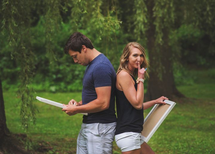 Bri Dow organized a photo shoot to surprise her husband Brandon with her pregnancy news.
