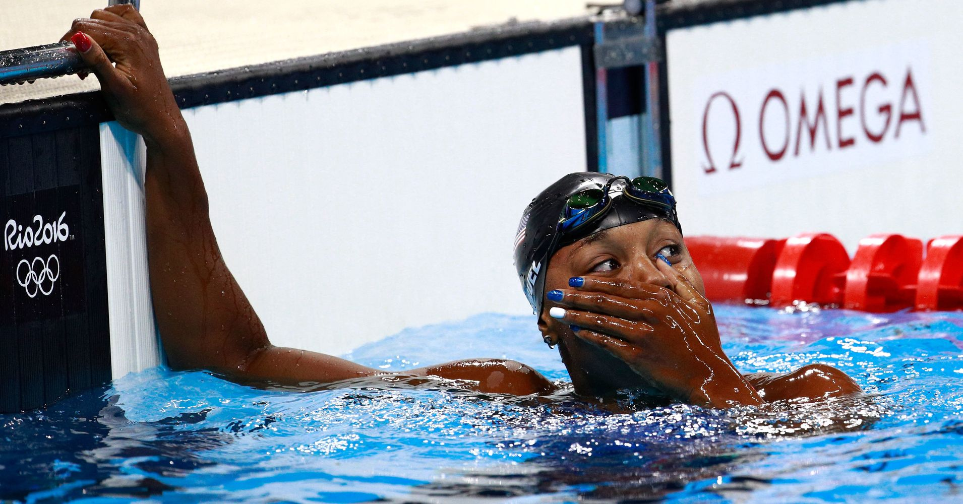 Simone Manuel Makes Swimming History In Women's 100-Meter ...