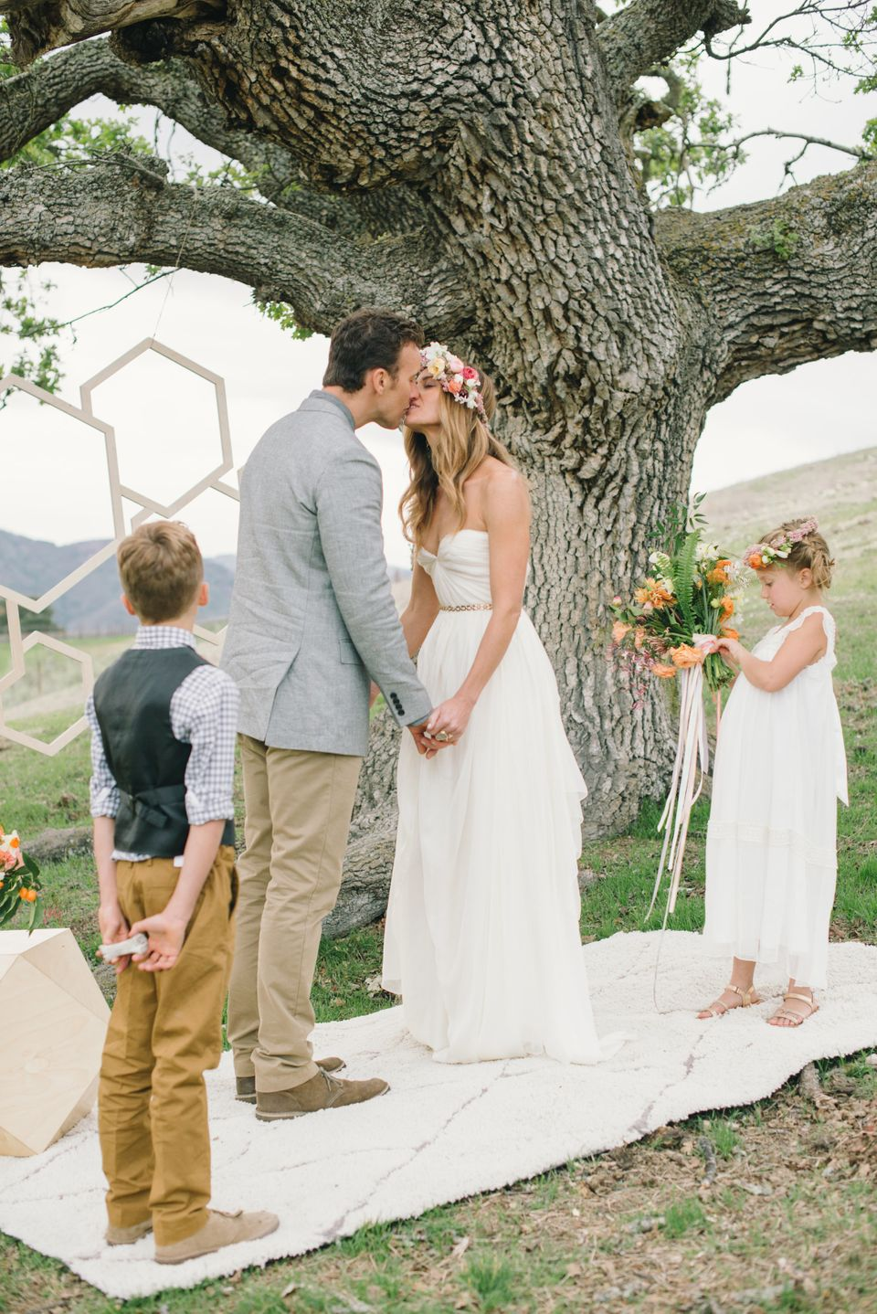 8 beautiful vow renewals that may inspire you to plan your own