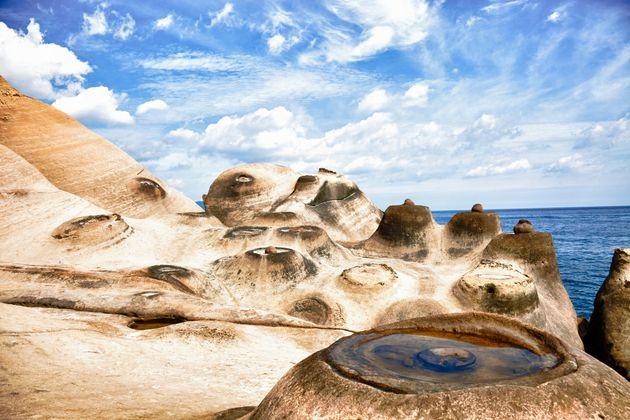 Earth Meets Mars In Taiwan's Otherworldly Yehliu