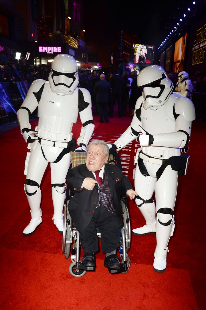 Kenny Baker at the 'Star Wars: The Force Awakens' premiere in London.