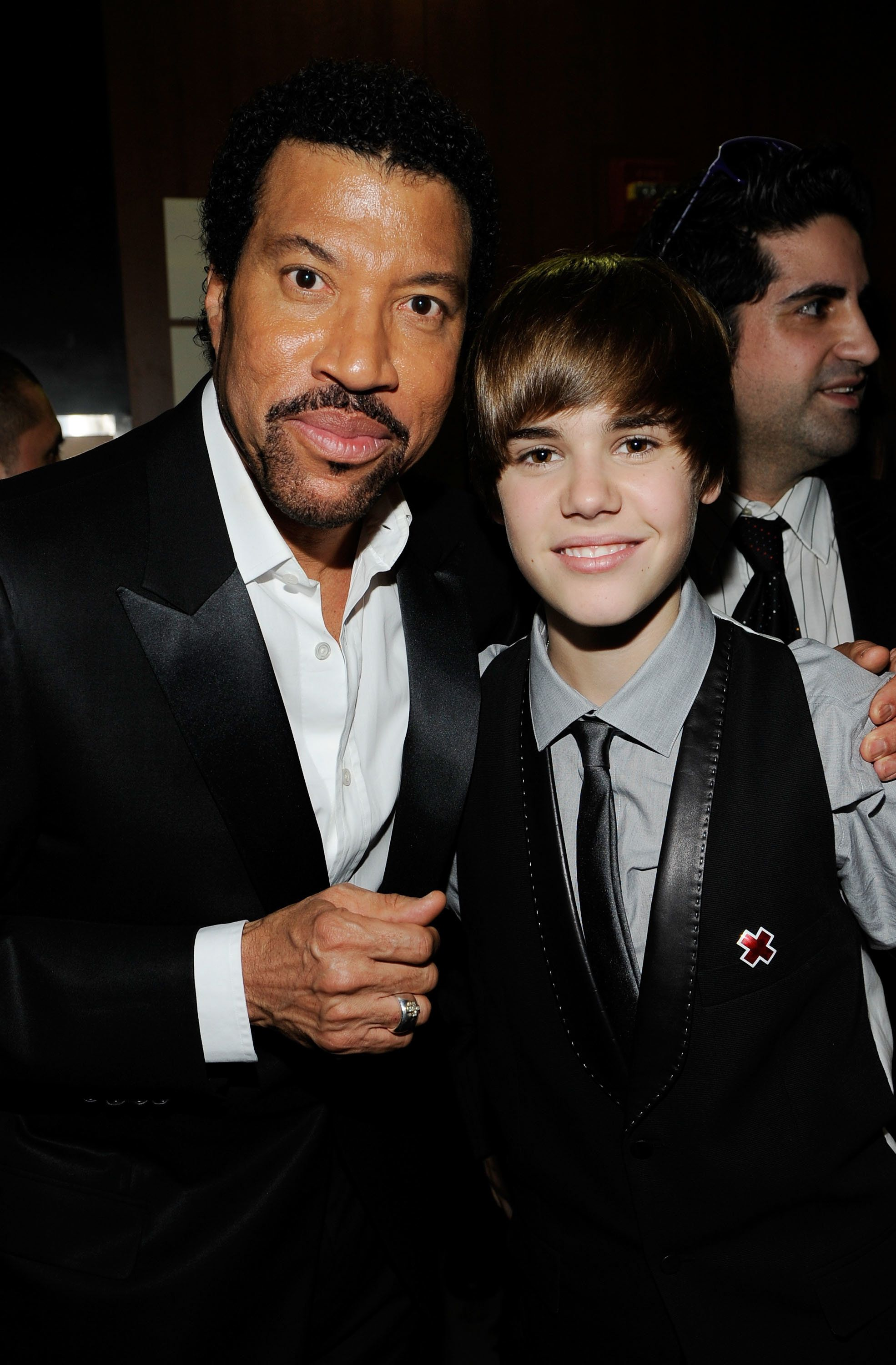 LOS ANGELES, CA - JANUARY 31:  Singers Lionel Richie and Justin Bieber backstage during the 52nd Annual GRAMMY Awards held at Staples Center on January 31, 2010 in Los Angeles, California.  (Photo by Larry Busacca/Getty Images)