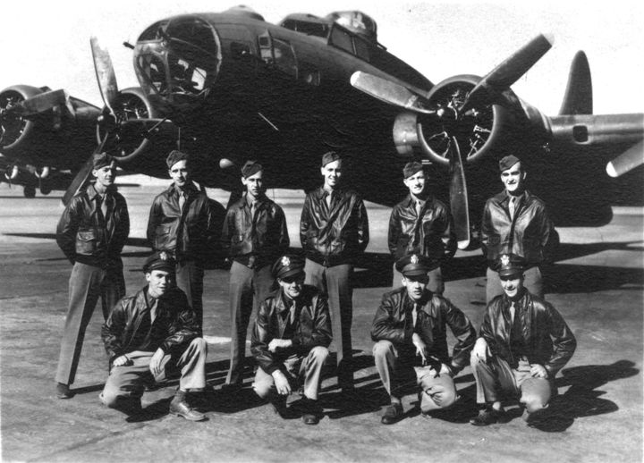 """<i>Clem Dowler and the rest of the crew of his B-17, """"The Cutty Sark""""</i>"""