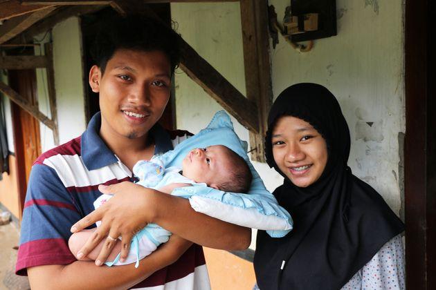 When Schoolgirls Become Mothers in Rural Indonesia