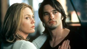 Diane Lane holds Olivier Martinez in a scene from the film 'Unfaithful', 2002. (Photo by 20th Century-Fox/Getty Images)