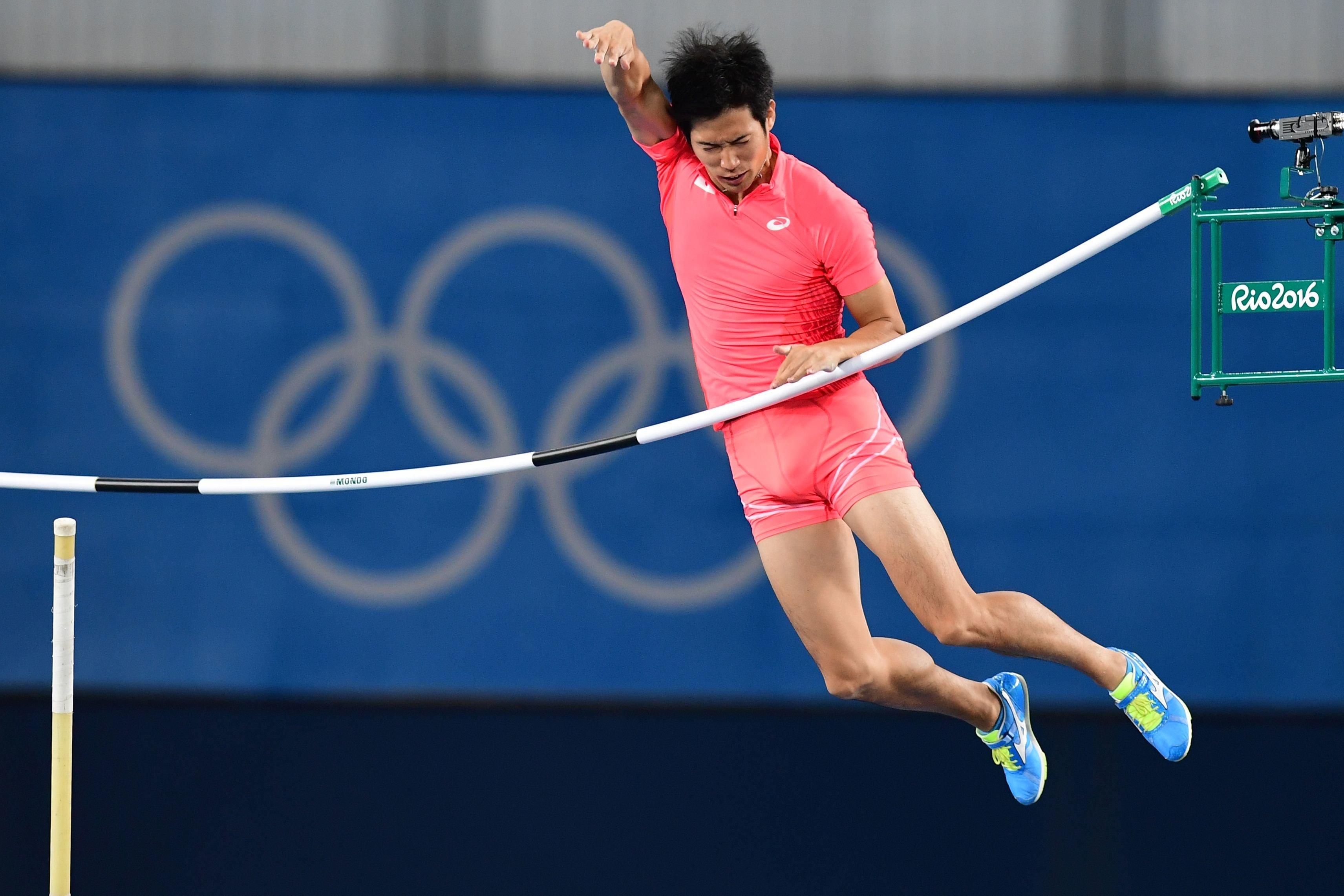 Inconvenient Penis Is A Huge Problem For Japanese Pole Vaulter Hiroki Ogita In