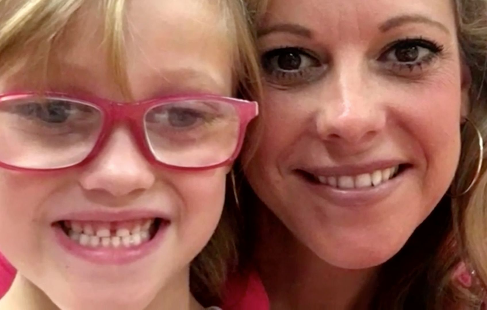 Mum Creates 'Seeing Bucket List' For Six-Year-Old Daughter Who Is Gradually Going