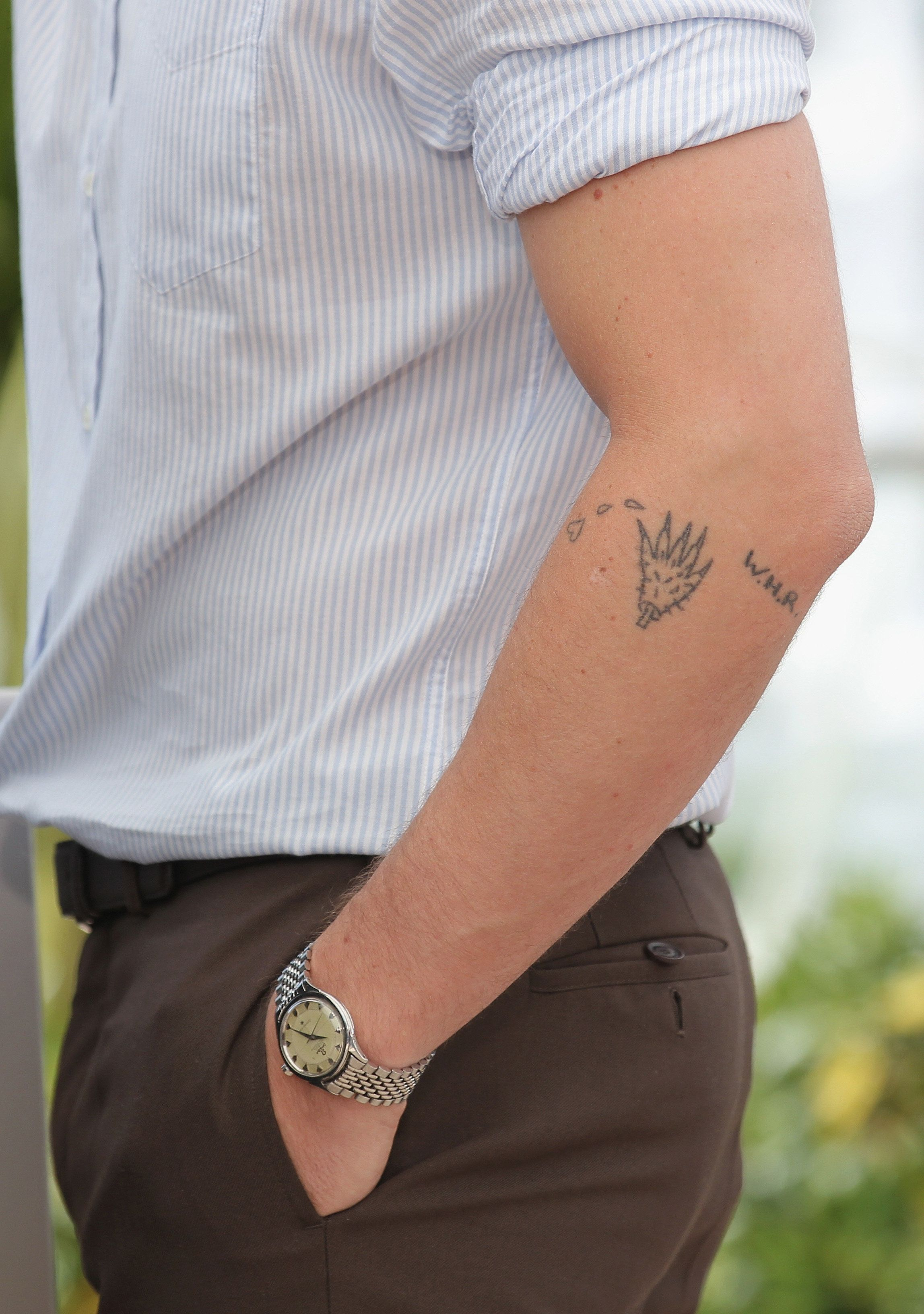 26 Tiny Tattoos For Guys To Sneak Onto Their Bodies Huffpost Life