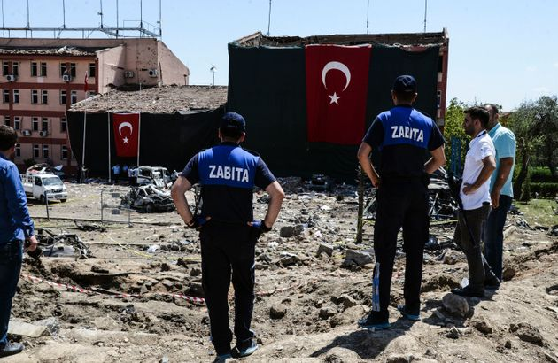 Car Bomb Blast At Turkey Police Station Kills 3, Wounds