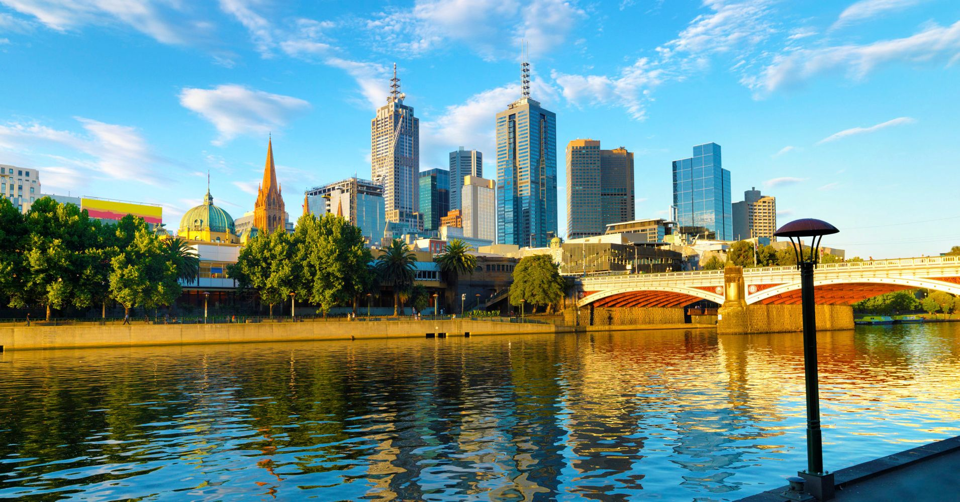 Dating in canada in Melbourne
