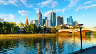 The skyline of Melbourne and the Princess Bridge,  Photographed from Southbank Promenade along the Yarra River.
