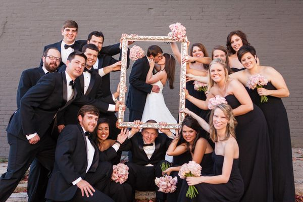 23 Cute And Clever Ideas For Your Wedding Party Photos