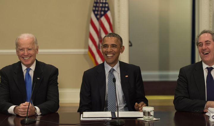 President Barack Obama alongside Vice President Joe Biden and U.S. Trade Representative Michael Froman (R). Froman led White