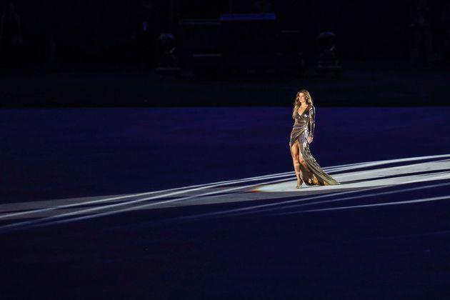 Gisele sashayed her way through the opening