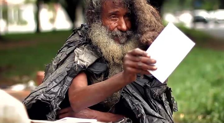 During the decades that Raimundo Arruda Sobrinho was homeless, he wrote poetry every day, holding onto his dream of some