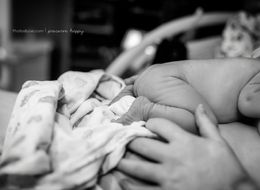These Incredible Photos Capture A Baby's First Crawl To The Breast