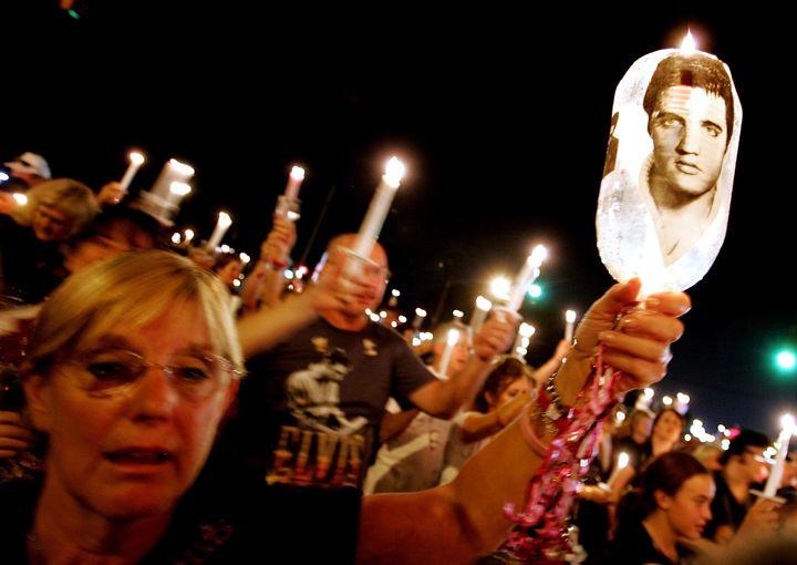A candle-light vigil forthe anniversary of Elvis' death.