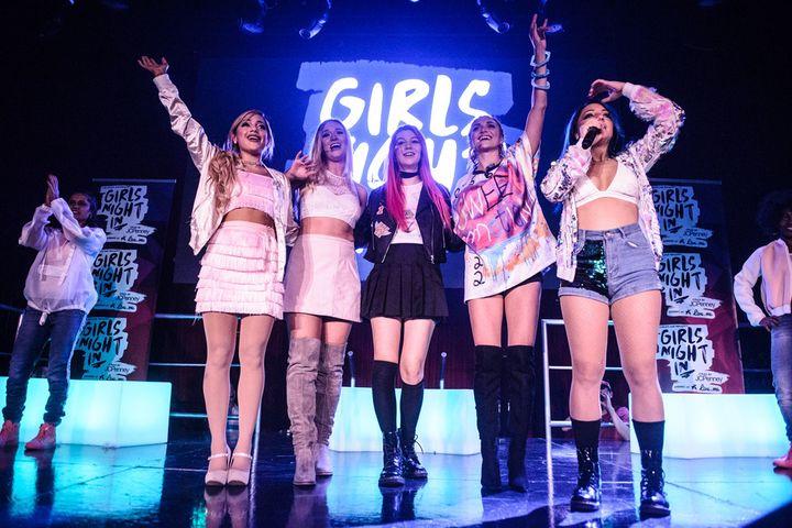 Gabi DeMartino, Alisha Marie, Jessie Paege, Alyson Stoner, Niki DeMartino; <i>Fullscreen Live Presents: Girls Night In!</i>
