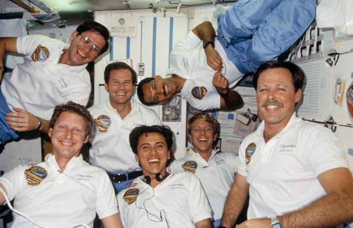<i>The crew of space shuttle Columbia poses for an in-flight portrait in January 1986. Florida Senator Bill Nelson, rear cent