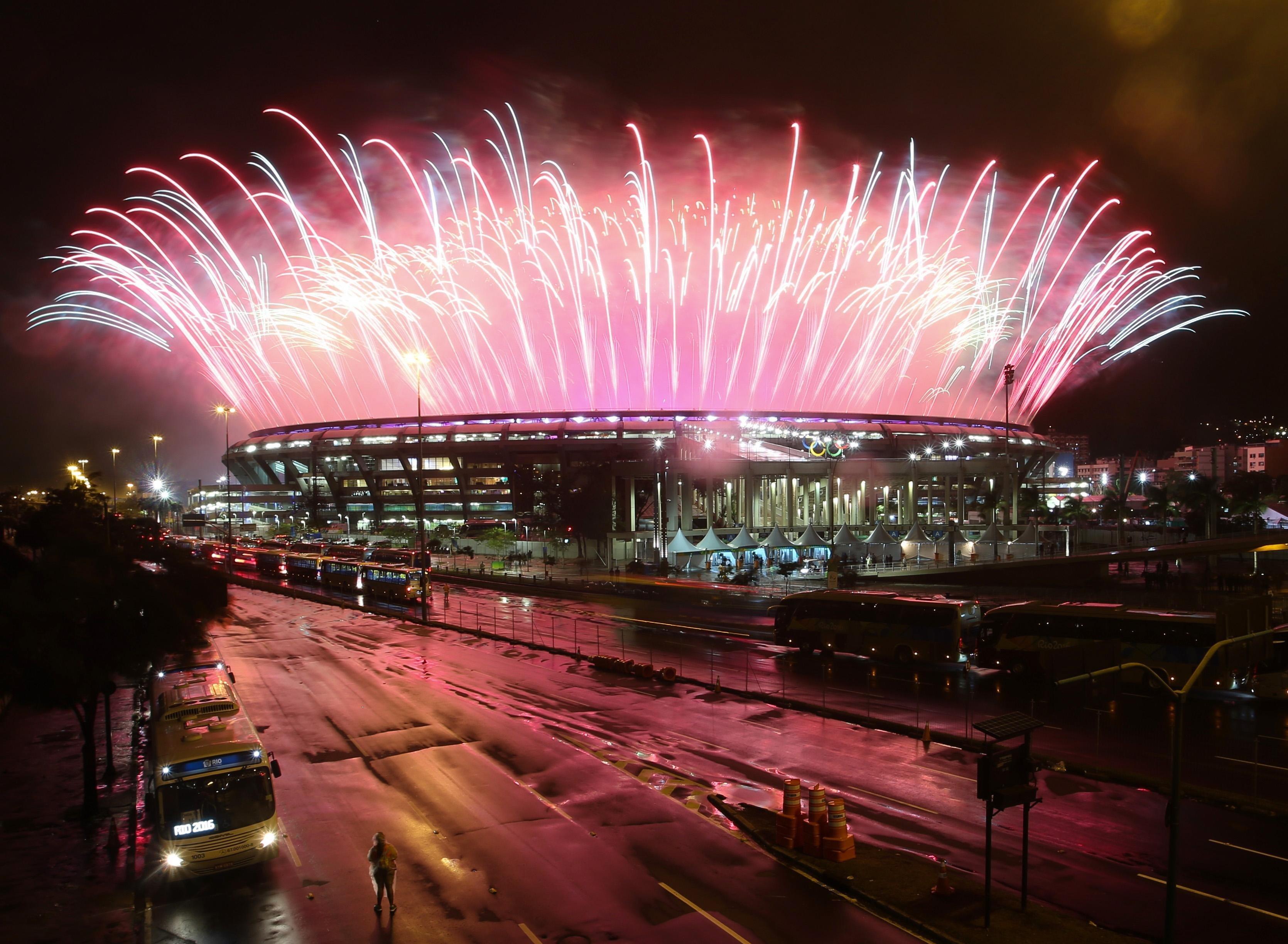 2016 Rio Olympics - Closing ceremony - Maracana - Rio de Janeiro, Brazil - 21/08/2016. Fireworks explode during the closing ceremony. REUTERS/Fernando Donasci